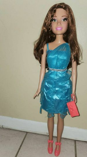 TALL BARBIE for Sale in Hialeah, FL