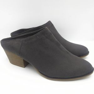 NEW Chinese Laundry women's heel mules for Sale in Vancouver, WA