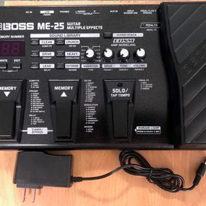 ME-25 Guitar Multi-Effects Pedal, Like New in Excellent workingCondition with 9v power adapter and Printed Manual, Keyboard: Fender, Bass, Ibanez, Amp for Sale in Pomona, CA
