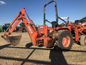 Compact 4x4 Kubota backhoe tractor runs great for Sale in Hockley, TX