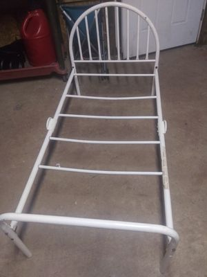 Toddler bed frame for Sale in Madison, OH