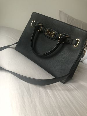 Michael Kors purse with wallet for Sale in Aurora, IL