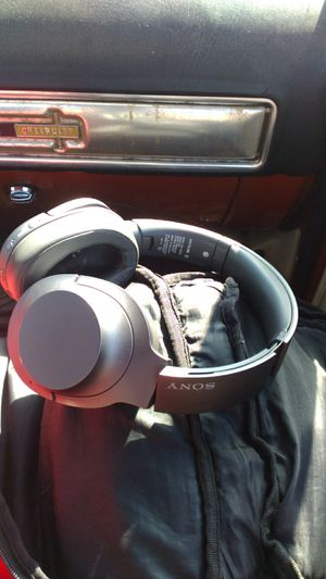 Sony wh-h900n wireless noise canceling over the ear Bluetooth headphones in very good condition for Sale in Salt Lake City, UT