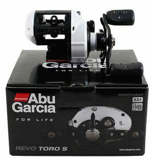 Abu Garcia Revo Toro S REVOT2S51 5.3:1 Left Hand Baitcaster fishing Reel Baitcast for Sale in Goodyear, AZ