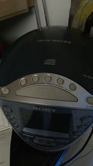Sony dream machine CD player alarm radio for Sale in Miami, FL