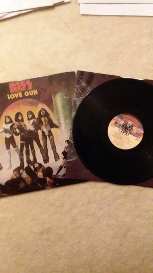 "KISS (1977) ""L0VE GUN"" VINYL LP RECORD for Sale in Deerfield Beach, FL"
