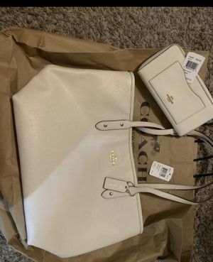 Authentic Coach purse with matching wallet for Sale in Modesto, CA