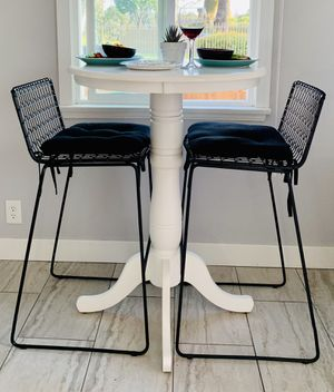 Salem Bar Pedestal Kitchen Table & Stools for Sale in Long Beach, CA