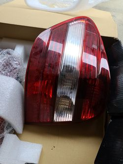 OEM TAIL LIGHTS 2010 MERCEDES BENZ ML63 AMG for Sale in Renton,  WA