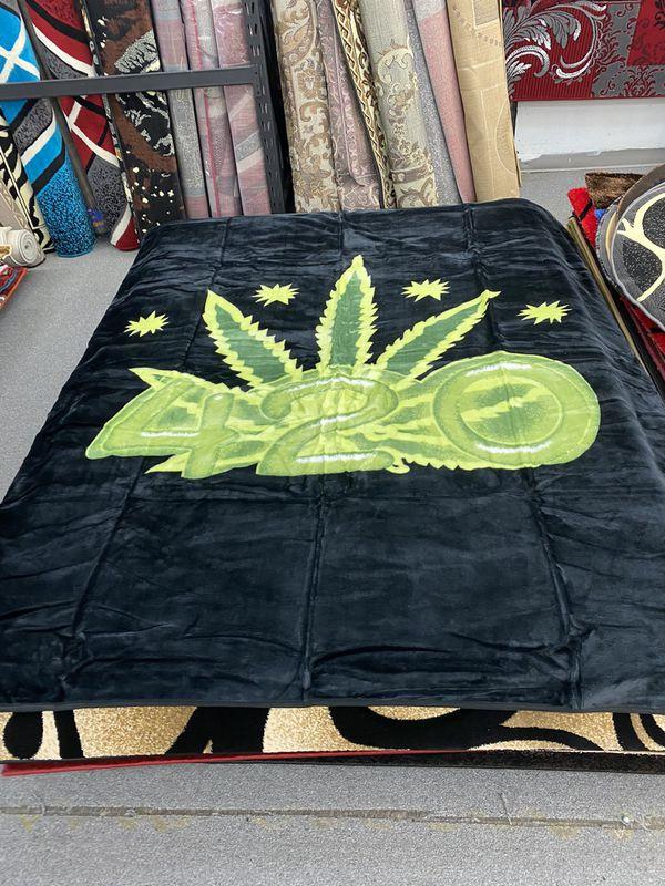 Queen size blanket brand new super soft