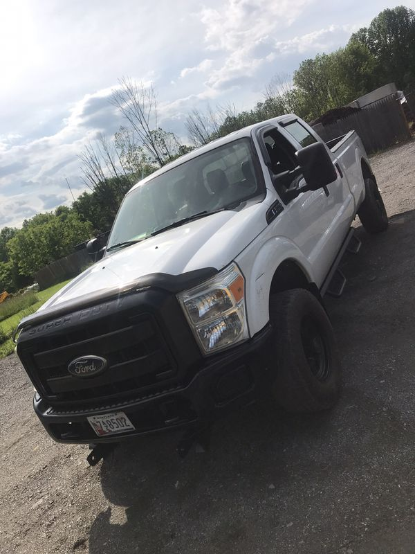 Ford 250 4door year 2011 gas miles 210