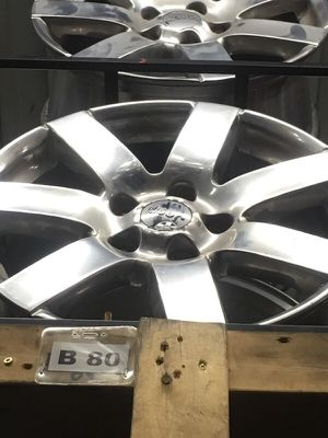Set of used jeep wheels for Sale in Sterling Heights, MI