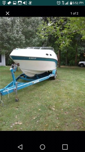 1994 celebrity boat with new 454 engine for Sale in Chicago, IL