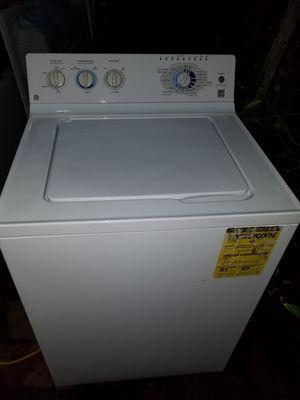 GE lavadora supercapasidad plus for Sale in Oakland, CA