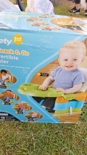Convertible Booster seat for Sale in Covina, CA