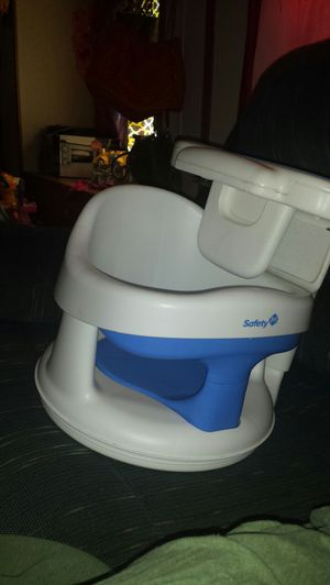 Safety first baby bath swivel seat for Sale in Waterloo, IA