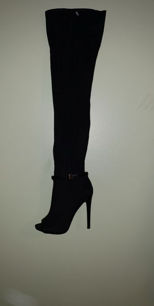 Over the knee black boot for Sale in Douglasville, GA