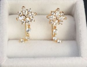 18kt Gold Filled Simulated Diamond Flower Earring for Sale in Silver Spring, MD