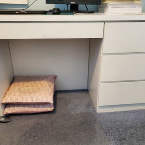 Desk - White Formica for Sale in North Bellmore, NY