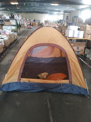 3 Person Pop Up Tent for Sale in Los Angeles, CA