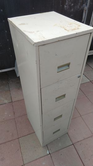 Metal filing cabinet for Sale in San Diego, CA