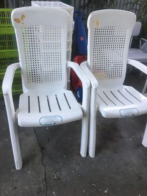 Two comfortable patio chairs for Sale in Los Angeles, CA