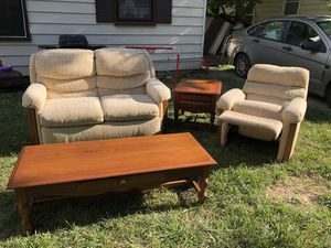 4 pc living room set for Sale in Oak Park, MI