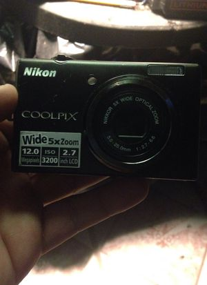 Nikon CoolPix S570 I can't find the battery u can Order a new one online it comes with the cord so pick up today if ur interested for Sale in Philadelphia, PA