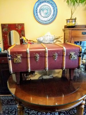 ANTIQUE • BENTWOOD SUITCASE - COFFEE TABLE • BEAUTIFUL CONDITION for Sale in SeaTac, WA