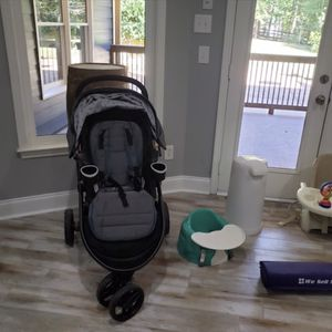 Foldable Stroller Barely Used Great Condition for Sale in Atlanta, GA
