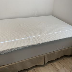 Queen Memory Foam Mattress W/ Topper for Sale in Santa Ana, CA