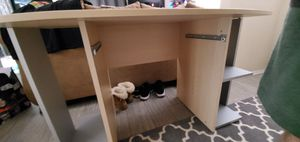 Small computer desk for Sale in Vancouver, WA