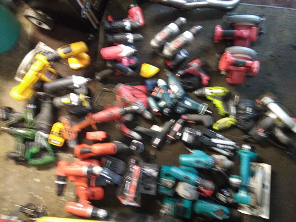 A big lot of power tools some I had working some I have not tryed some have battery's some have chargers