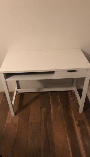 Plain white desk for Sale in La Vergne, TN