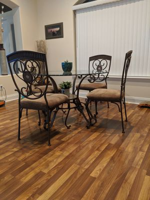Glass Kitchen Table for Sale in Clermont, FL