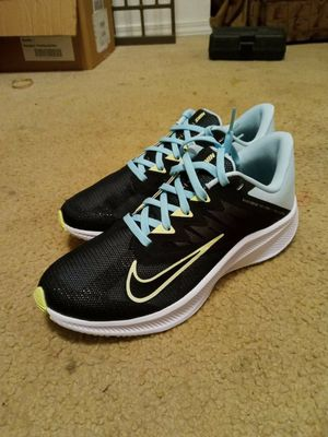 NIKE COR 3 8.5 WOMENS RUNNING for Sale in Vancouver, WA