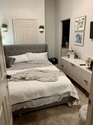 Upholstered QUEEN bed frame for Sale in Austin, TX