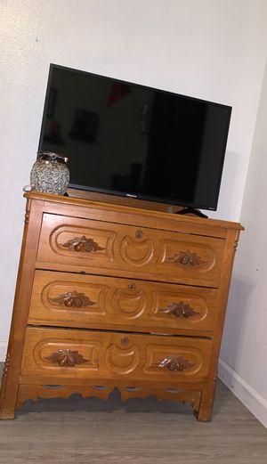 Wood Dresser for Sale in Fresno, CA