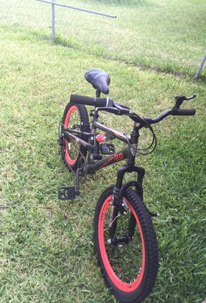 Kids bike. 20 inches. Front tire flat $20.00 for Sale in Miami, FL