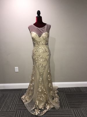 Elegant gold dress for Sale in St. Louis, MO