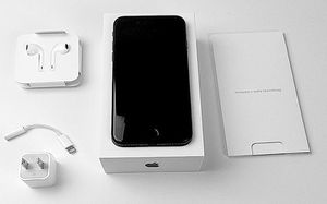 iPhone 7 128'gigs unlock for Sale in Baltimore, MD
