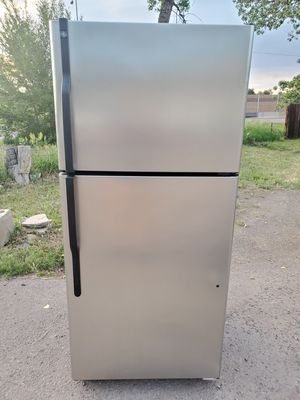 GE stainless steel fridge good working conditions for Sale in Wheat Ridge, CO