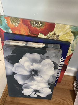 Flower wall decor for Sale in Pittsburgh, PA