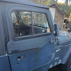 98 Jeep Wrangler! Top and Doors Not Included for Sale in Puyallup, WA