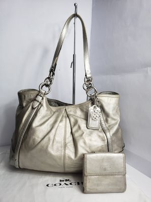 Authentic Coach Alexandra Gold Leather Tote Hobo Shoulder Bag Chain Studded with matching Wallet PRICE FIRM 🚫 for Sale in San Antonio, TX