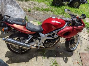 2001 Suzuki SV650 NO KEY or TITLE for parts motor etc for Sale in Wendell, NC