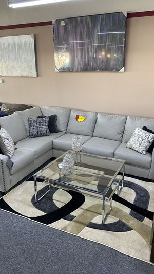 L Shaped Grey Sectional with metal pins and PIllows ICF1 for Sale in Euless, TX