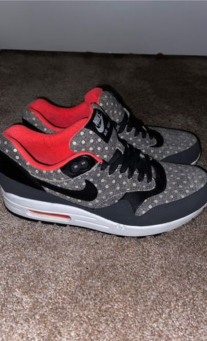 Nike air max's 1 polka dot worn once for Sale in Riverside, CA