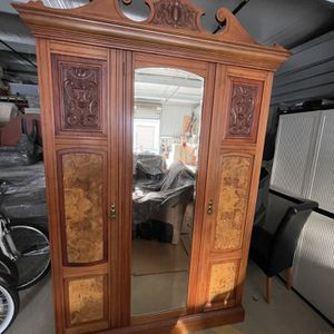 Antique Armoire for Sale in Antioch, CA
