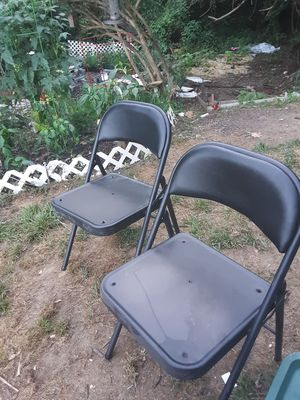 2 black folding chairs for Sale in Glen Burnie, MD
